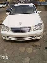 2006 model,Mercedes Benz E280,automatic gear, tokunbo