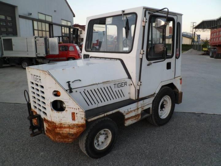 Tiger TIG 4X2 tractor unit - 2019