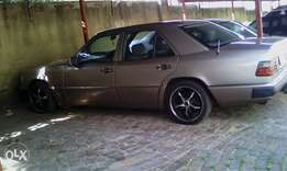 Mercedes Benz for sell R19,000,00 and it is negotiable