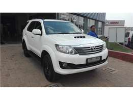 Toyota Fortuner 2.5 D-4D Raised Body AT, White with 118000km,