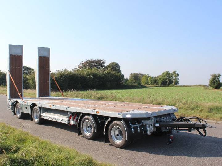 AMT New  MA400 low loader trailer - 2016