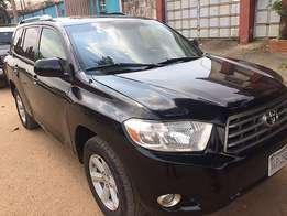 Exquisite Toyota Highlander (2010) Best deal!