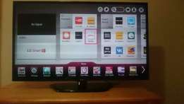 "LG 47"" LED FULL HD 120hz 240mhz Smart TV"