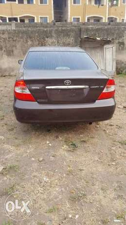 ADORABLE MOTORS: A 2004 Tokunbo Toyota Camry XLE Lagos Mainland - image 1