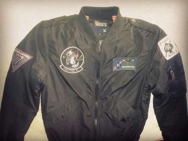 New Bomber jackets blue navy gear originial XL only at 3500ksh Nairobi CBD - image 2