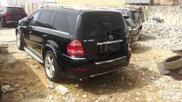 Barely used 2010 Mercedes Benz GL550 with AMG body kits