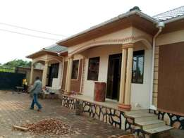 new two bedroom house for rent in kira at 500k