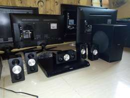 Like new 1000watts 3D Philips home theater with 3 hdmi ports