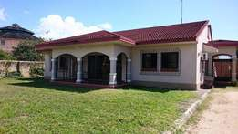 2 nice bungalow houses with separate gates 42 mill
