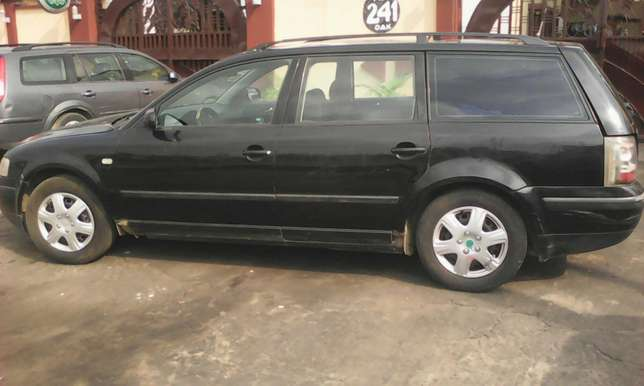 Volkswagen passat wagon 4plug engine automatic gear first body 550k Lagos Mainland - image 5