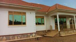 4 bedroom house in kitende at 280m