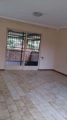 Spacious 3 Bedrooms for sale in Orchards The Orchards - image 8