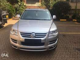 December Imported Foreign Used 2010 Volkswagen Touareg 3.0 TDI Altitud