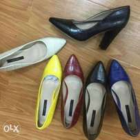 Closed shoes
