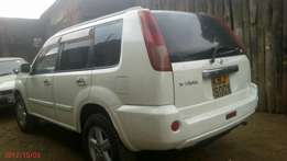 Clean Xtrail for sale