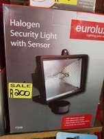 Halogen security light with s3nsor