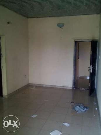Standard 1 Bedroom Flat To Let At Rumuodara Portharcourt. Port-Harcourt - image 1