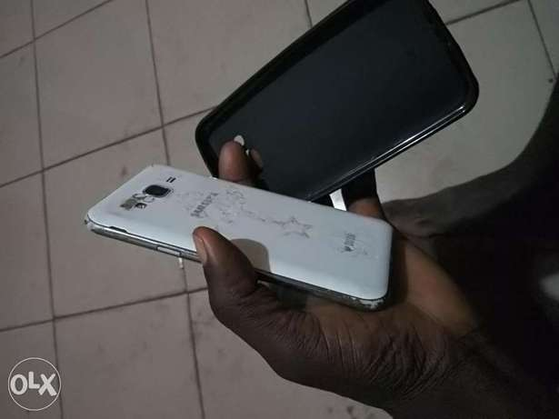 2016 SAMSUNG J5 with 2gb ram 16mp camera dual sim Benin City - image 2