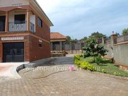 Bweyogerere - Butto 2m 5Bedrooms, 4Bathrooms + a Garage (Standalone)