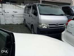 Toyota hiace 2010 model automatic diesel