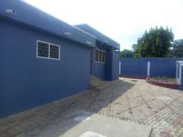 2 single rooms for rent at Gyinyase