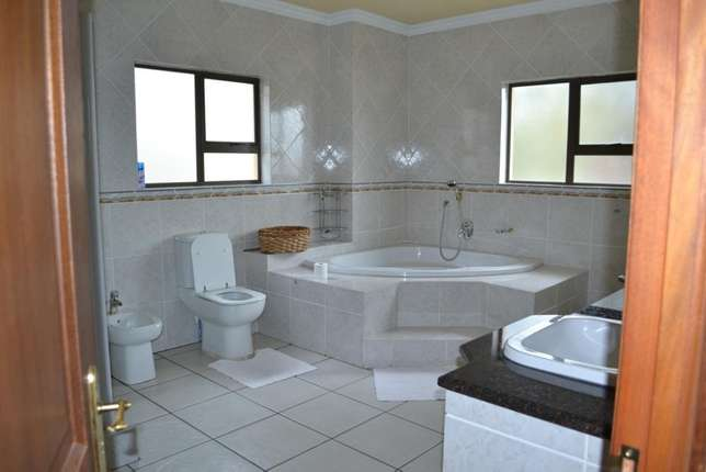 Home is were your story begins,this is a once in a lifetime opertunity Sunward Park - image 7