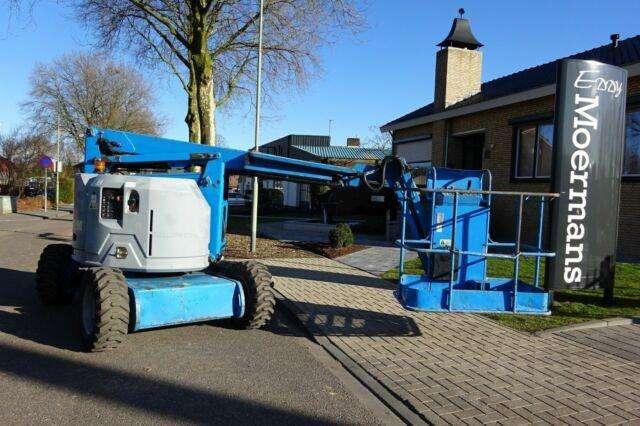 Genie Z34/22 Diesel 4x4 - 2007 - image 3