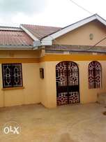 A three bedroom main house with sq for rent in utawala 30k