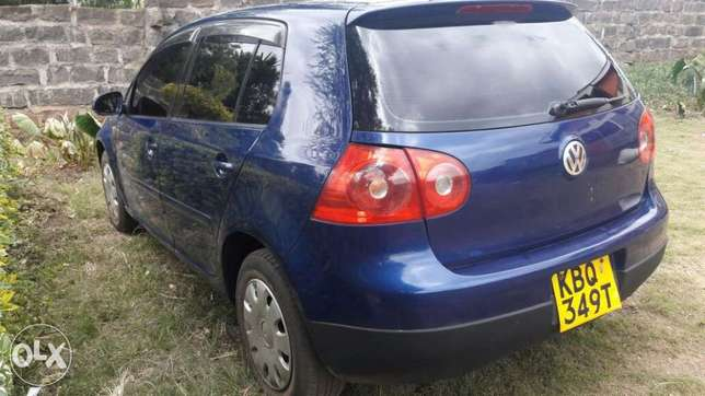 Quick sale of VW Golf 1600cc Athi River - image 4