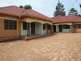 Brand new two bedroom house for rent in kisaasi at 500,000=