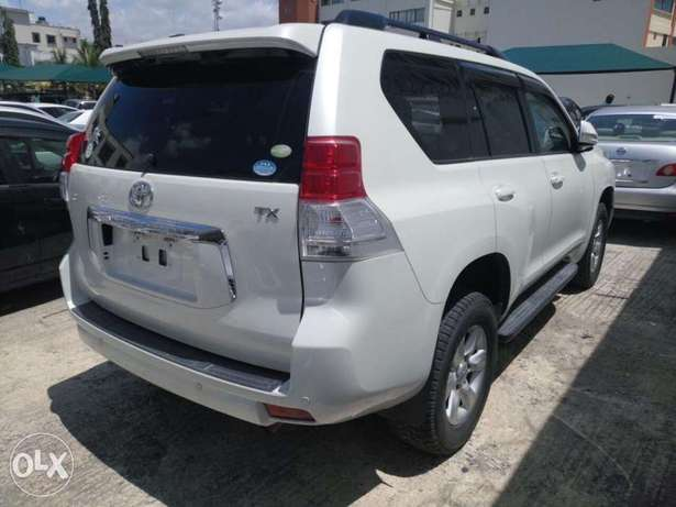 Toyota Prado 7seater 2011 model KCN number. Loaded with alloy rims , Mombasa Island - image 3