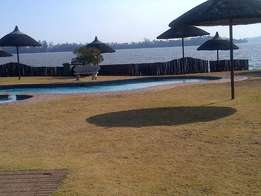 Vaal dam, vaal Marina, 4Beds, boat and jetty , pool jungle gym