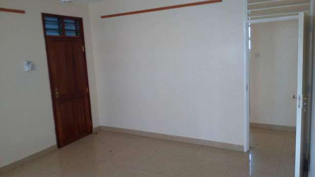 Super spacious 3 bedroom apartment 30,000/=ksh per month Nyali - image 4