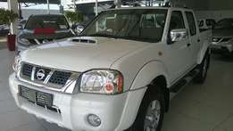// DEMO Nissan NP300 2.5D Hi-Rider Double Cab Special //