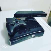 Xbox360 jailbreak with controller+Kinnect for sale