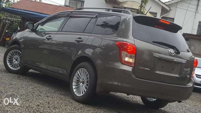 Toyota fielder 2010 model Hurlingham - image 2