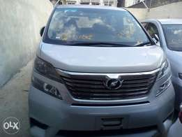 2500cc Fully loaded Toyota Vellfire