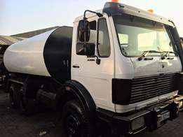 Mercedes Benz V-Series 26-28. 18000l Water Truck