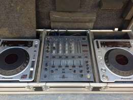 pioneer 800mk2 x 2 with pioneer DJM 600 DJ mixer in flight case - plu