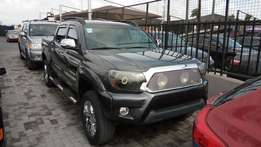 Customized 2013 Toyota Tacoma V6 4X4 With Adjustable Hydraulic Shocks