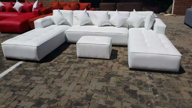 U-shape open on both daybeds,choose your fabric and colour Midrand - image 1