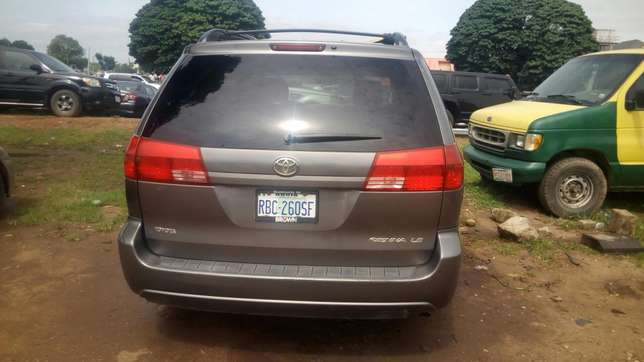 Toyota Sienna (2005) Wuse - image 1