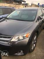2013 Toyota Venza full option