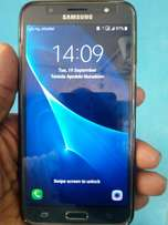 1 Week old Original Samsung Galaxy J7 (2016) with complete accessorie
