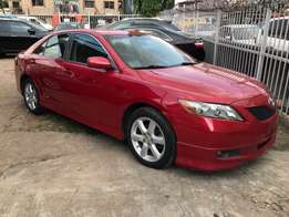Neat and clean toyota camry for sale