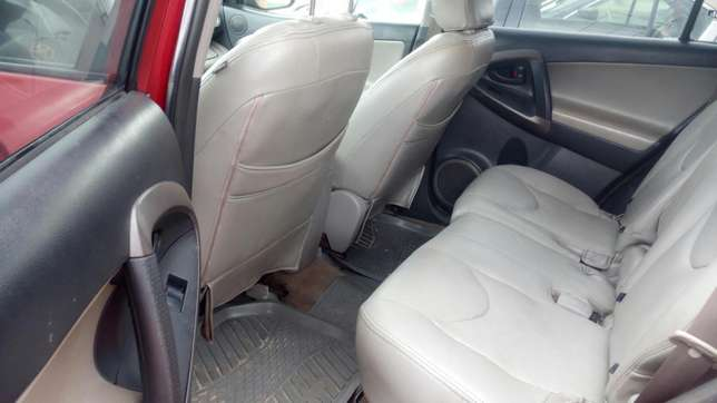 Extremely sound and neat 2007 RAV4 with factory chilling AC Warri South - image 6