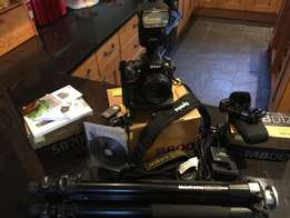 Nikkon D D800 Digital SLR camera black with lens and many accessories