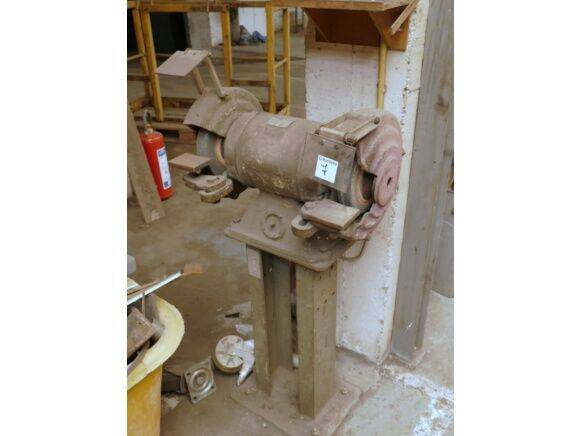 Sale grinding lathe industrial equipment for  by auction