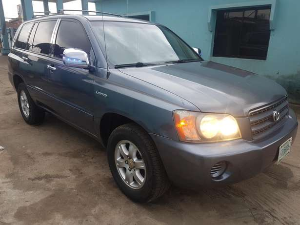 Very clean Toyota highlander 2004 model, first body. Agege - image 5