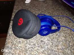 Beats by Dre original earphones + 2gig mp3 player